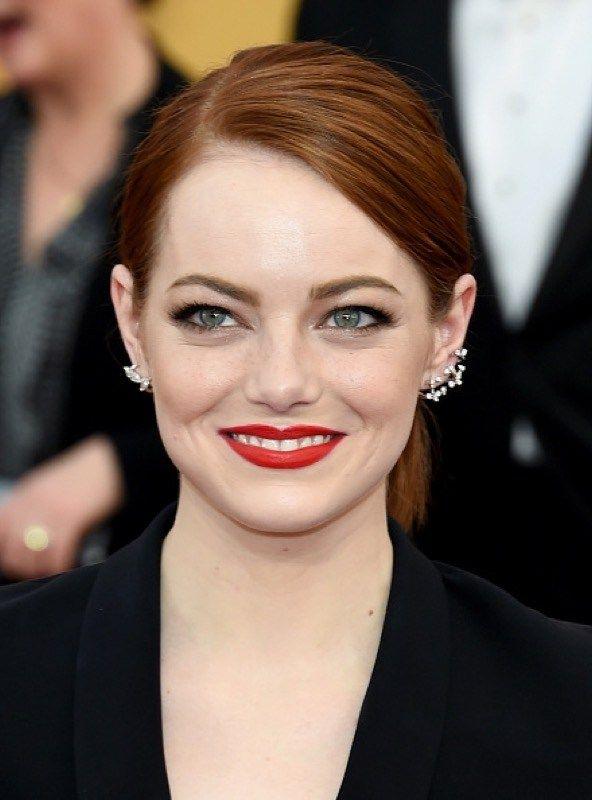 Emma Stone rossetto rosso-e labbra sottili