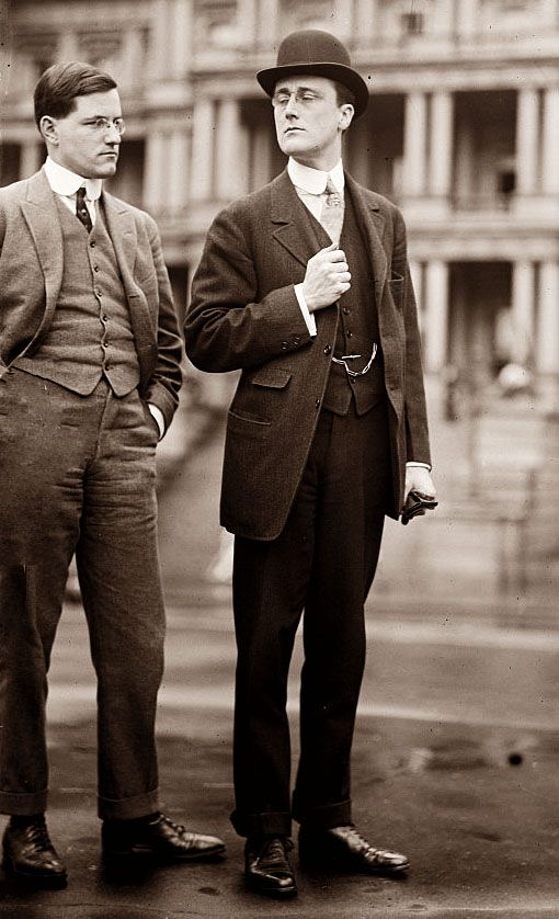 1913, 100 years ago, this is how people dressed...it makes me a little sad for what we wear now... FDR