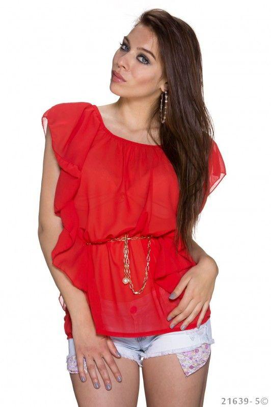 Rood shirtje met gouden riempje