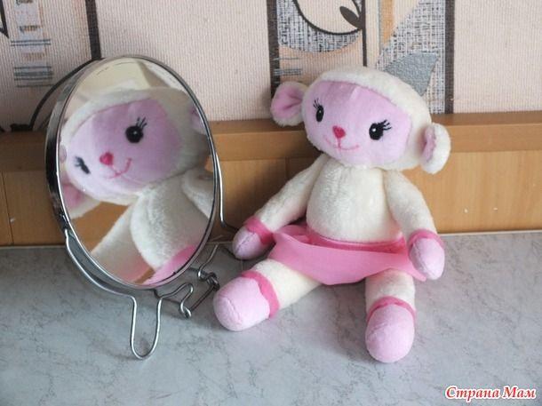 """Добрый день, Странамамочки! Хочу показать вам овечку Лэмми, из детского мульт-сериала """"Доктор Плюшева"""", любимым мультиком одной знакомой девочки."""