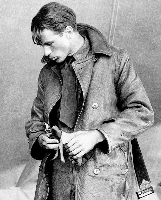Gary Cooper in Wings (William A. Wellman, 1927), the film that helped launch his career in Hollywood