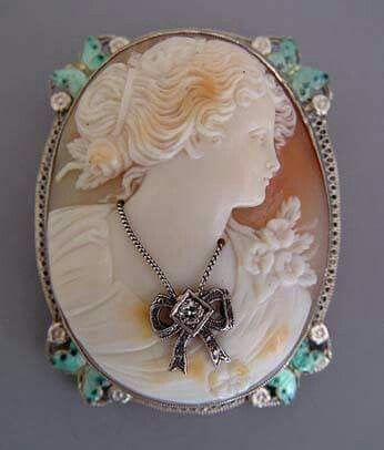 Камея на раковине, инкрустация, бриллиант. Белое золото, филигрань, эмаль. 1900-е гг. Ар-деко.