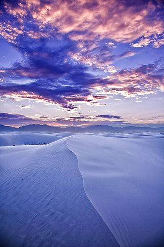White Sands National Monument in New Mexico. Can you say gorgeous?!