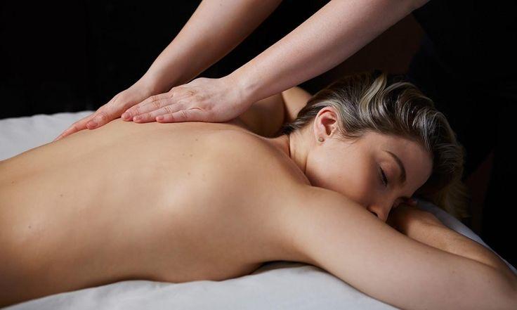 Desde $11.900 por masaje de relajación + descontracturante para uno o dos con opción a piedras calientes en Loremar Spa