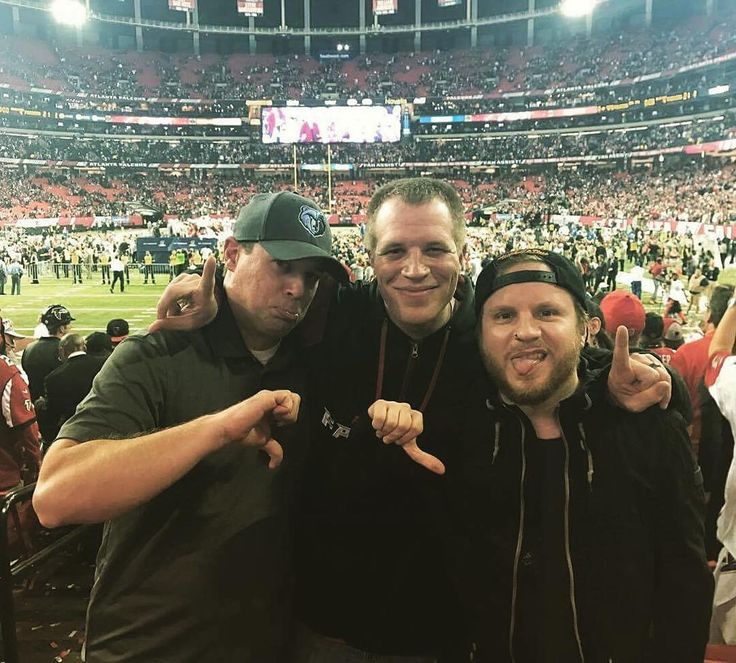 Via Zach: as I get older ... my currency in life changes ... memories and photos are the true currency for me ... Packers didn't win .. but I had an amazing time watching the last game in the Georgia Dome... With 2 of my 4 brothers and sister in law .... It was a blast.. #NFCCHAMPIONSHIP #zachmyers #shinedown   Barry Kerch Brent Smith Eric Bass Shinedown Shinedown Nation Shinedowns Nation Zach Myers