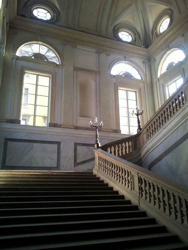 Milano, scalinata di Palazzo Reale