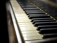 Listen to Jazz Music at Piano Bar Hollywood