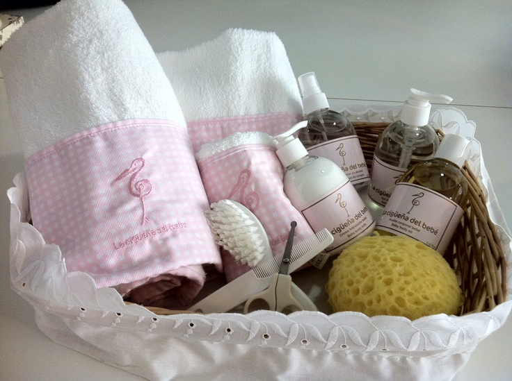 49 best images about canastas para bebes on pinterest trapillo pique and baby baskets - Bano del recien nacido ...