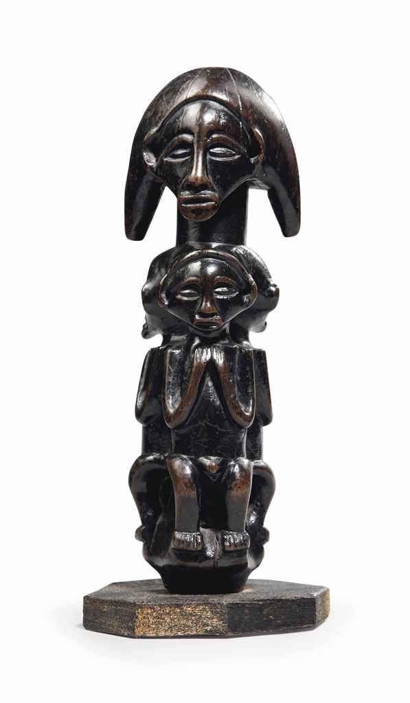 Poignée de sceptre Scepter handle Aire Yaka-Suku, Sud-Ouest de la République Démocratique du Congo Hauteur: 17.5 cm (7 in.)