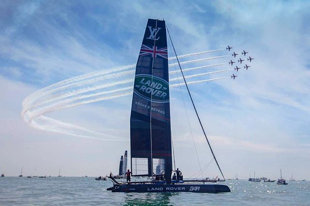 Land Rover BAR gets a flyby and a win in Portsmouth at the LV America's Cup World Series! The points are closer than ever with just one point separating Oracle Team USA and Land Rover BAR.  Photo via @landroverbar  #landroverbar #americascup #flyby #foiling #ac45 #lvacwsportsmouth #lvacws #ac35 #landrover #sailing #sailboats #sailboat #catamaran