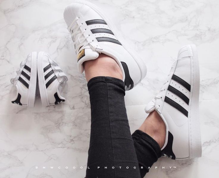 "Amateur Photographer på Instagram: ""Adidas Superstars My wife, My kid My superstars @faryalanwar_ ---------------------- #adidas #wife #adidassuperstar #fashionforall #yesadidas"""