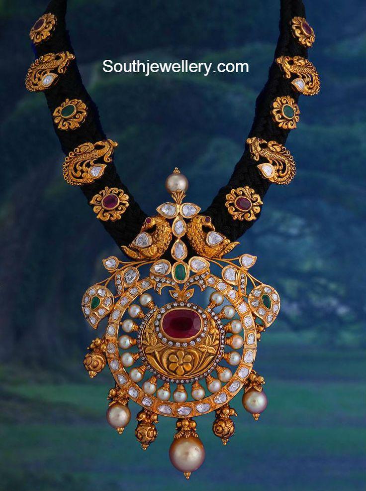 antique_black_dori_necklace.jpg 813×1,090 pixels