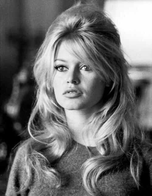 Bardot 1960s-hair! So much volume, love this bouffant look #VintageGlam