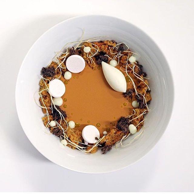 Pumpkin Custard w/ a wreath of vanilla meringue, cinnamon cake, pumpkin bread, pumpkin seed oil and whipped cream by @butterloveandhardwork #TheArtOfPlating