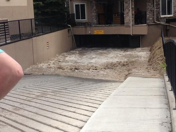 Blair @BlairLystang 16h Unbelievable in #discoveryridge right now. At #wedgewoods. Stay safe my friends. #yyc #yycflood @GlobalCalgary