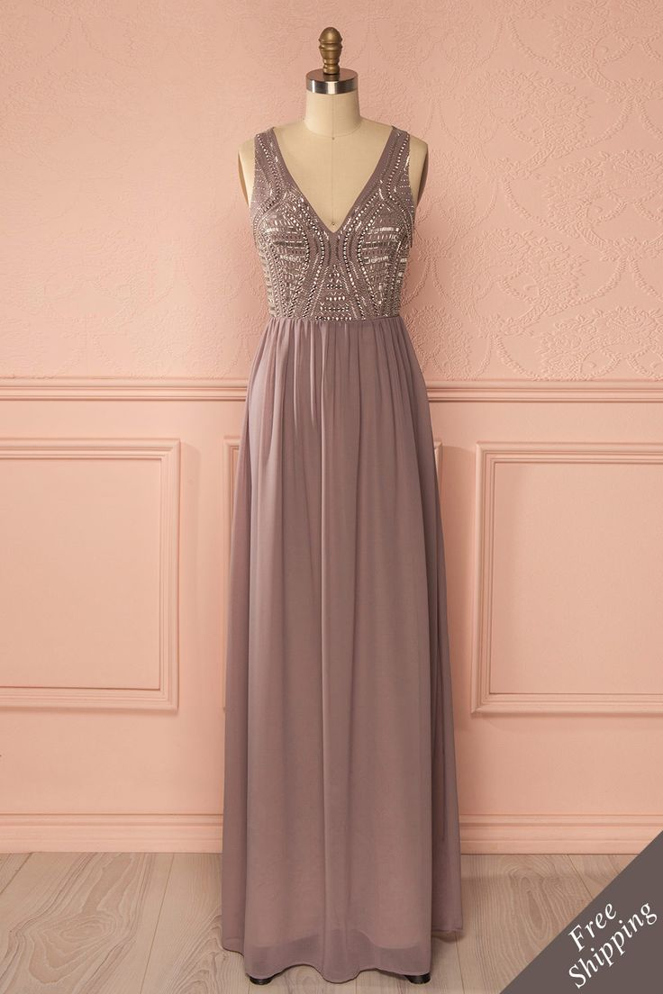 Pretty maxi dress for Valentine's day. Planetty Lilas from Boutique 1861 www.1861.ca