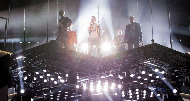 Ascolti in ribasso per X Factor 9. Il talent show di Sky Uno non riesce a superare X Factor 8. Positiva l'introduzione delle Band Musicali, ma la giuria è da sistemare.