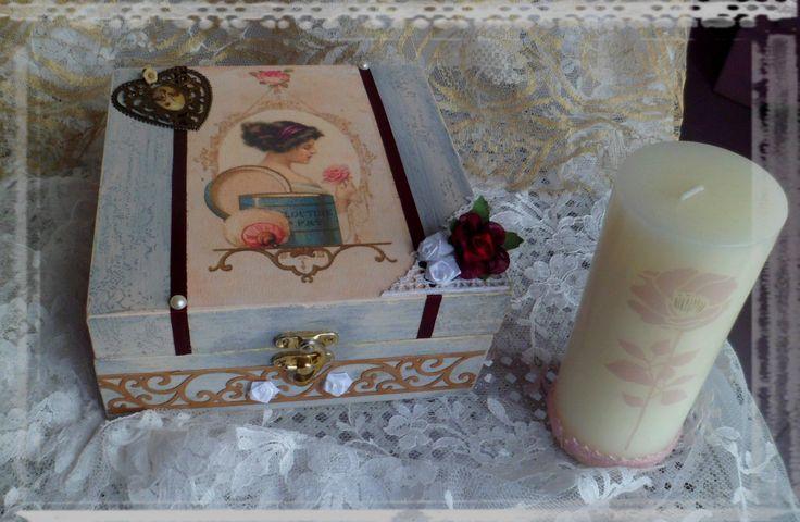 Boîte à bijoux cérusée,boîte à couture vintage cadeau fête des mères : Presentoir, boîtes par crealicelie