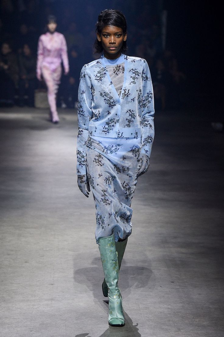 Kenzo Fall 2018 Ready-to-Wear Fashion Show Collection