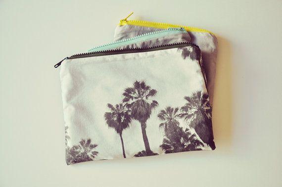 trousse de voyage les palmiers de Lisbonne by smallcouture on Etsy, €29.00