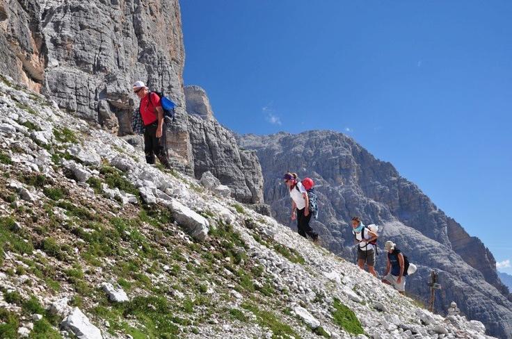 Escursioni guidate sulle vette più belle delle Dolomiti!
