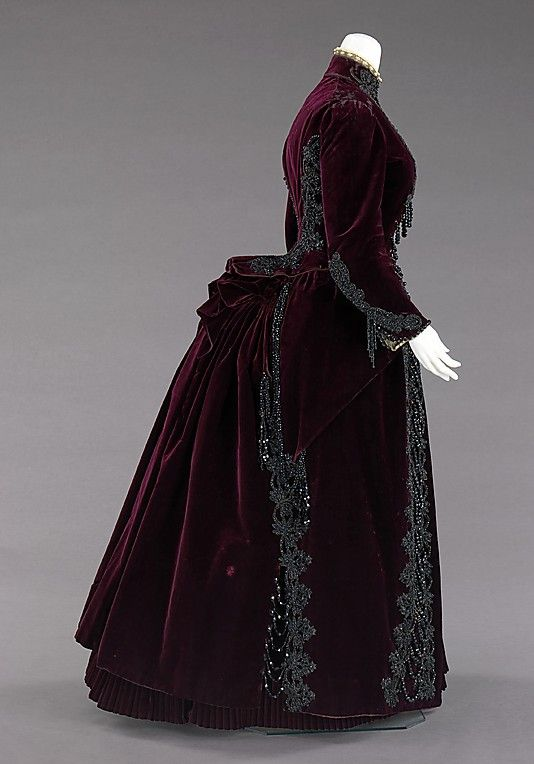 Ensemble, Dress (side view) Mme. Uoll Gross Date: ca. 1885 Culture: American Medium: silk, synthetic, jet, feather Accession Number: 2009.300.621a–e