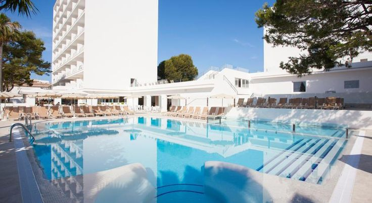 Grupotel Farrutx Can Picafort Situated just 200 metres from Ca'n Picafort Beach, the Farrutx Hotel offers a great location for an enjoyable holiday on the popular island of Mallorca.