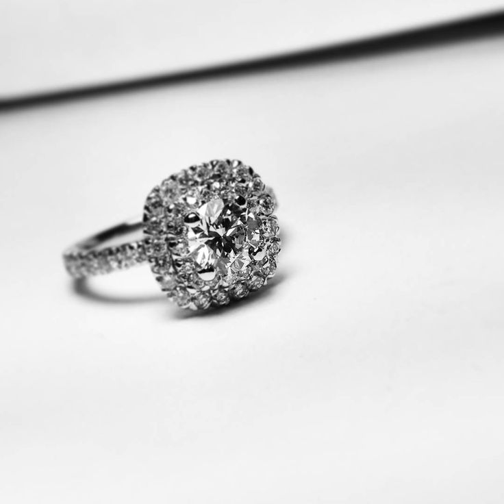 Diamonds are girl's best friends #bigdreams #engagement #engagementring #diamonds #eyecatching #custommade #jewelry #classic #haloring #gold #whitegold #beauty #perfection