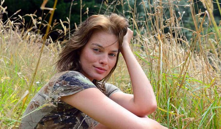 A review of Z for Zachariah starring Margot Robbie.