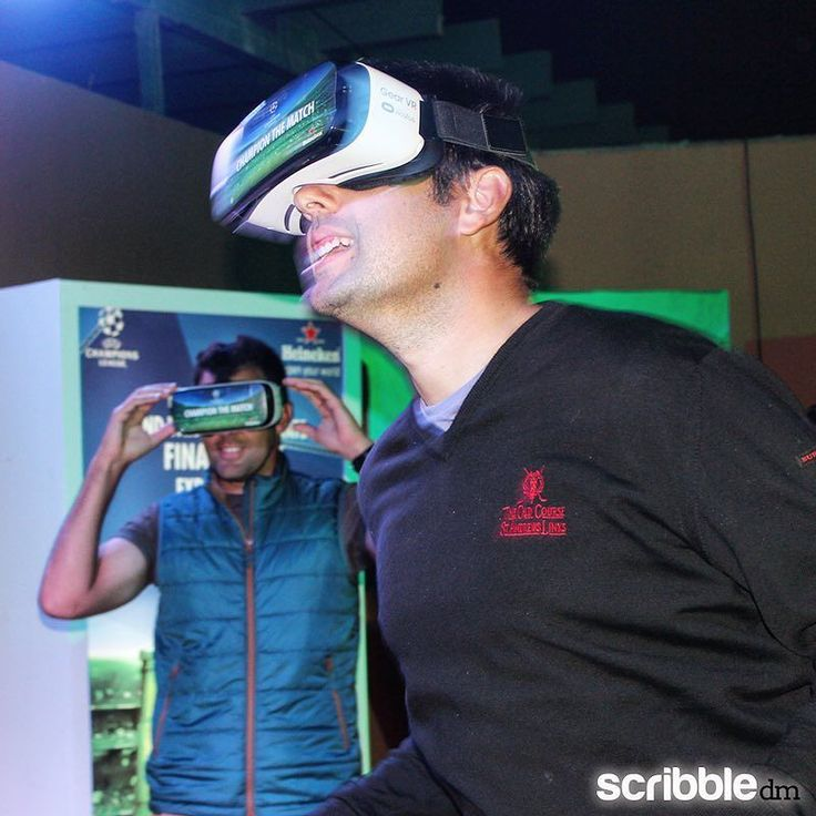 An awesome Virtual Reality pic! Live the reality & play it virtually let's do it at Heineken Soccer Lounge every Tuesdays and Wednesdays at Marriot El Zamalek & Fairmont Heliopolis for reservation call Fairmont reservation 01227333873 Marriott reservation 01201641117 #heinekenegypt #heineken #marriothotel #heinekensoccerlounge #vr #virtualreality #uefachampionsleague by scribble.dm check us out: http://bit.ly/1KyLetq