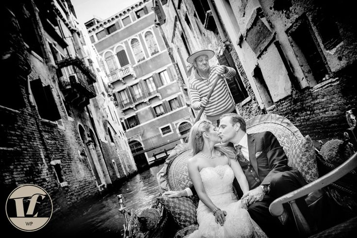 WEDDING IN VENICE – MARIAGE À VENISE #wedding #Venice #Italy #summer #photography #photographer #bride #groom #photoshoot #gondola