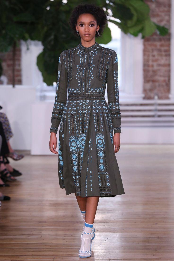 Valentino Resort 2018 Fashion Show - Ashanti Hildreth
