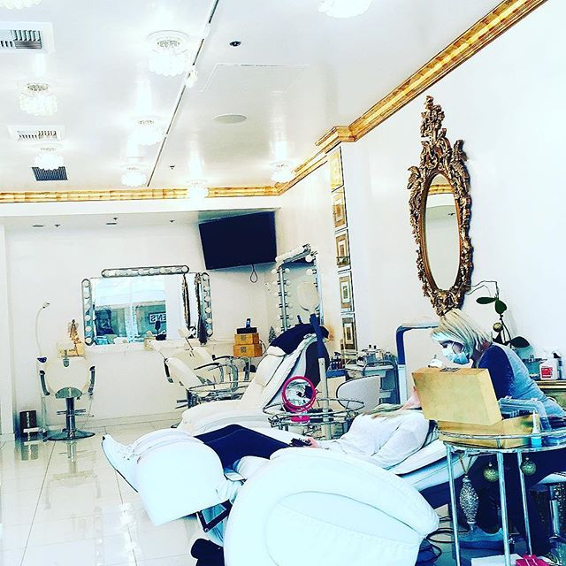 Ladies Call And Make Your Appointments Today (818)616-2877 The Best Eyelash Extensions And MicroBlading.  @lashedbyblacchyna #encino #lashedbyblacchyna #blacchyna #88fin #chyna #eyelashextensions #eyelashes #beautiful #beauty #waxing #white #teethwhitening #makeup #microblading #eyebrows #perfect