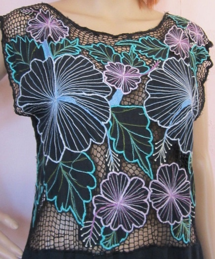 blue flowers + pink flowers + black [Bali cutwork shirt]