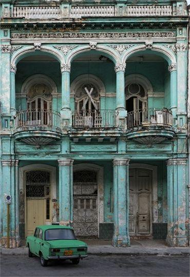 70 Abandoned Old Buildings.. left alone to die, Havana, Cuba