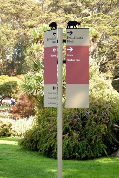 an Francisco Zoo: Directional signage.