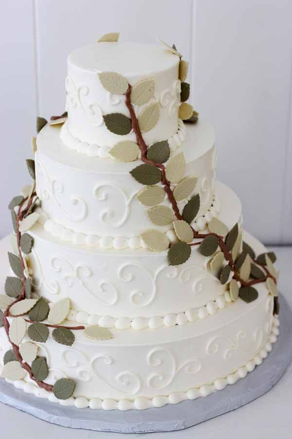 C190 wedding cake with fondant leaves and