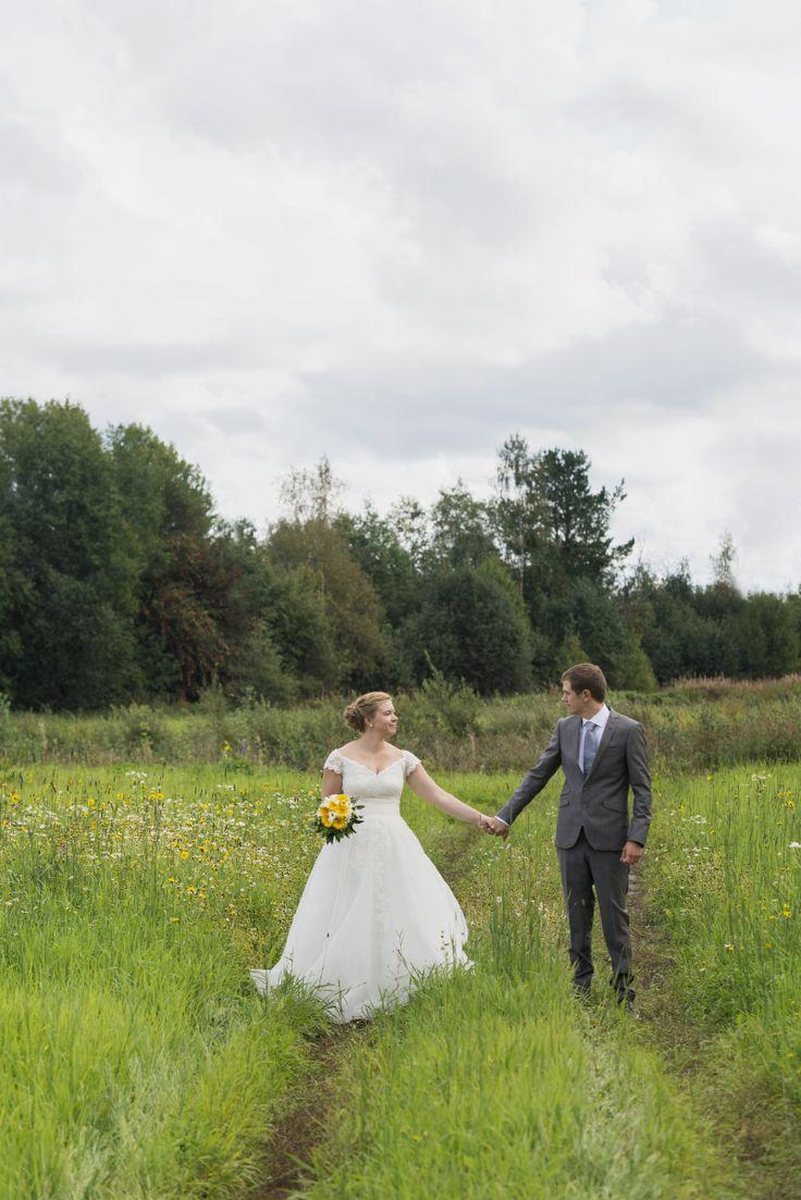 Fotograf Julia Lillqvist - porträtt- och bröllopsfotograf i Vasa, Finland | Emma och Johan, bröllop i Jeppo | http://julialillqvist.com