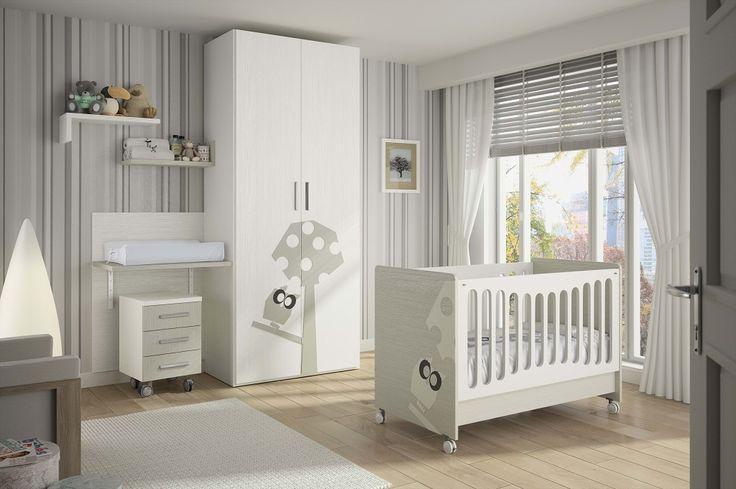 La cuna BÚHO se caracteriza  por tener en sus dos laterales  dibujos en relieve.    El cambiador EVOLUTIVO pasa por ser  un cambiador y transformarse en mesa  que se puede adaptar a diferentes  alturas, a medida que el niño va  creciendo.