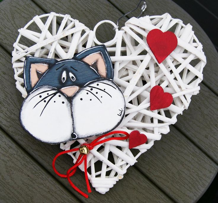 Gray wicker heart with black catnap red hearts - door hanger Valentine's day- valentine's gift de la boutique LULdesign sur Etsy