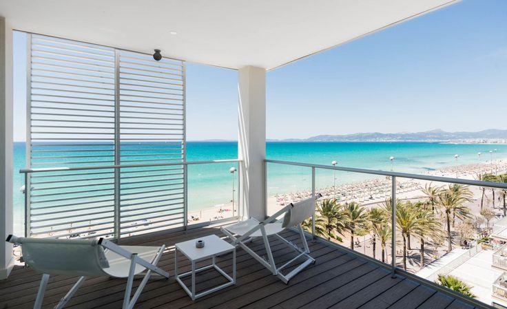 Entdeckt 8 Strandhotels auf Mallorca, in denen Ihr echtes Beach-Feeling genießen könnt. Luxus und Entspannung sind garantiert!