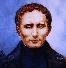 Das Bild (es könnte eine Pastellzeichnung oder ein Aquarell sein) zeigt ein Brustbild Louis Brailles vor blau-violettem Hintergrund. Er trägt ein dunkles Gewand mit Stehkragen, hat braunes, leicht gewelltes Haar, eine hohe Stirn und kräftige Wangenknochen. Die tief liegenden Augen sind fast ganz geschlossen. Braille wirkt – fast mönchisch – in sich gekehrt.