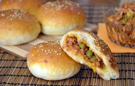 Le ravazzate siciliane sono famose nella rosticceria siciliana.Con questa ricetta otterrete ravazzate soffici e saporite proprio come quelle del bar.