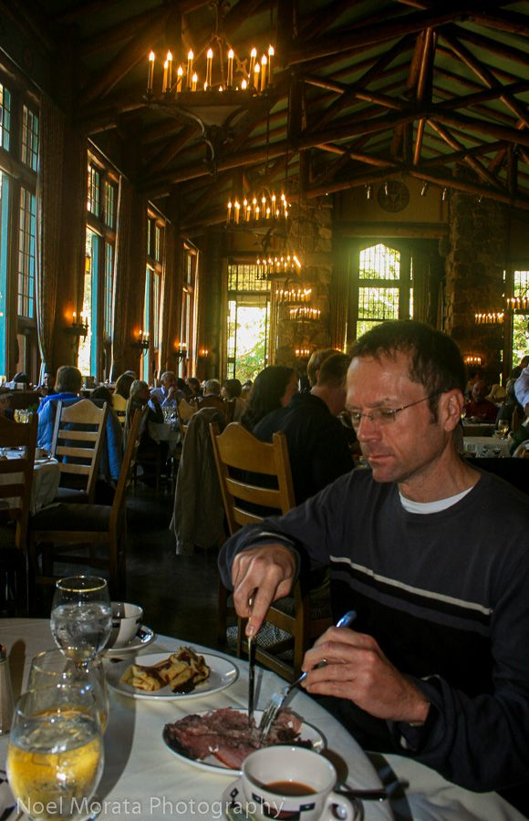 Ahwahnee Hotel in Yosemite, Sunday brunch | Travel Photo Discovery #Yosemite #California