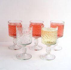 1970s Textured Bark Glass Wine Glasses, set of 5, Ravenhead Siesta, Ice Glass Textures, 70s Glassware, 1970s Bar, Retro Barware | 1970erne, Vin og Vinglas