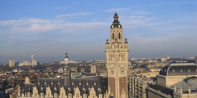 A Lille, des étudiants réfugiés bénéficient gratuitement de cours de français afin de pouvoir suivre un cursus universitaire.