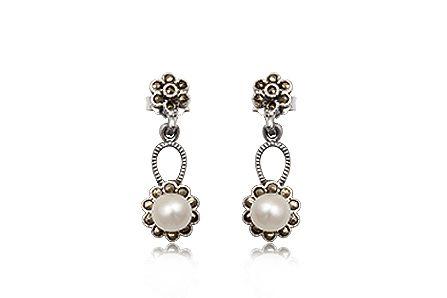 Cercei draguti din argint cu perle albe si marcasite.