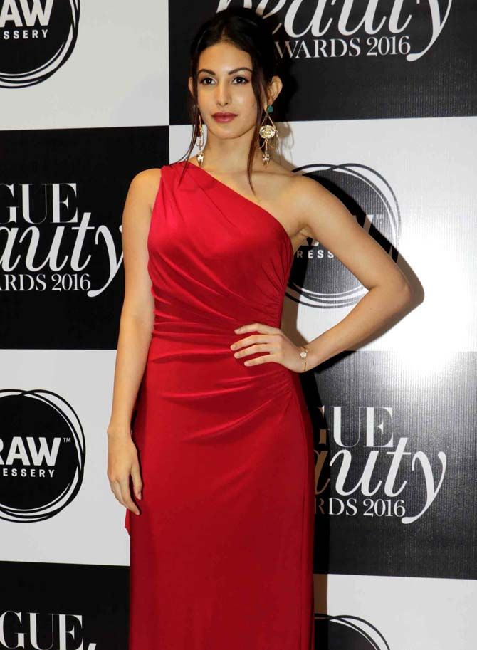 Amyra Dastur at the Vogue Beauty Awards 2016 in Mumbai. #Bollywood #Fashion #Style #Beauty #Hot #Sexy