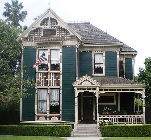 Victorian Style. Like the color