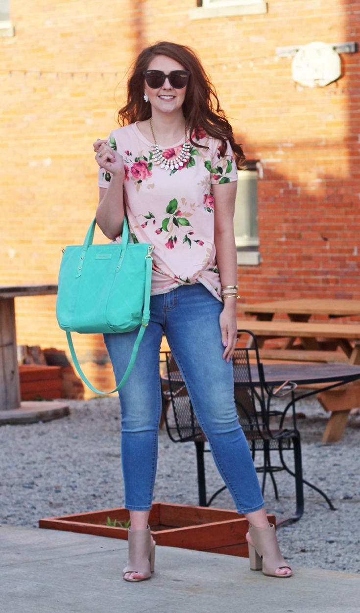 Bright on a Budget: Must-Have Knotted Floral Tee for Spring    Date night outfit, mules, heels, affordable fashion, spring outfits, spring fashion dresst, spring fashion outfits, spring style 2017, fashion trends, fashion tip, style tops, preppy style, ou